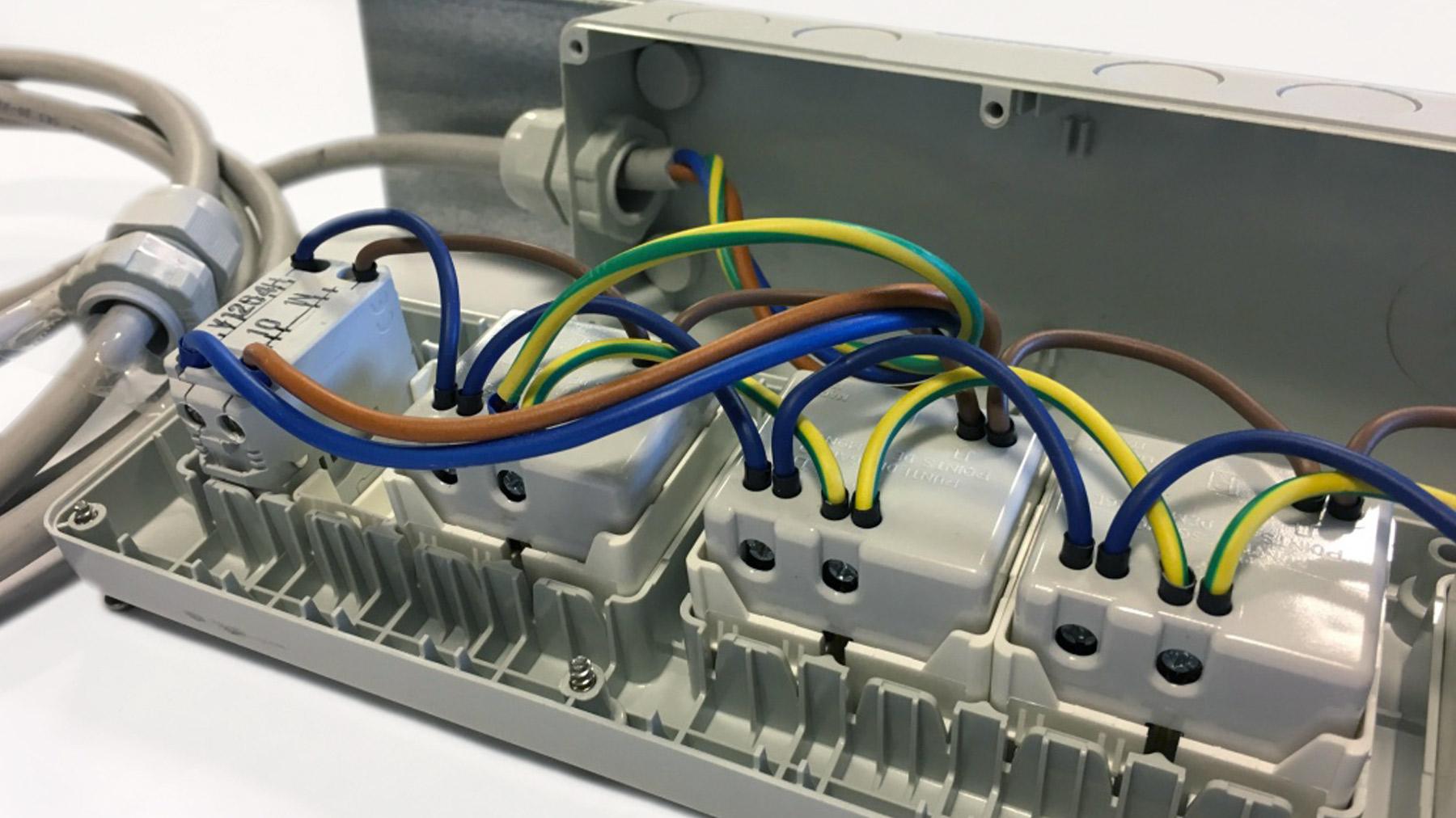 assemblaggio elettromeccanico slide2