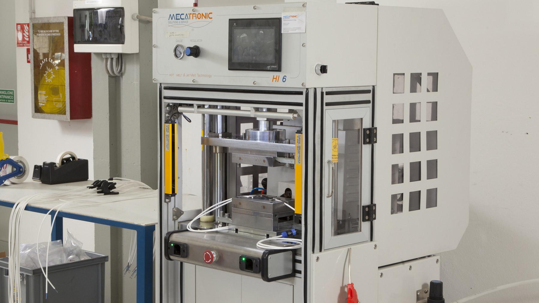 stampaggio a bassa pressione hot melt slide3